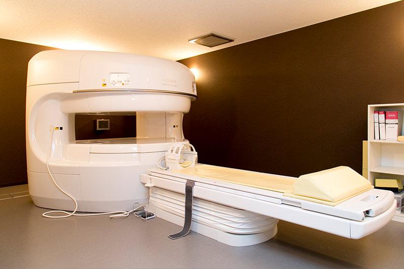 MRI装置(AIRIS Soleil)